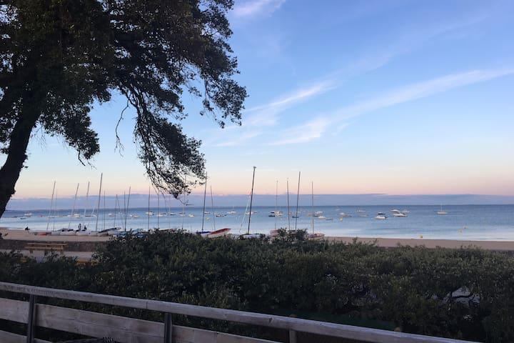 Superbe maison front de mer, plage des Sableaux NO