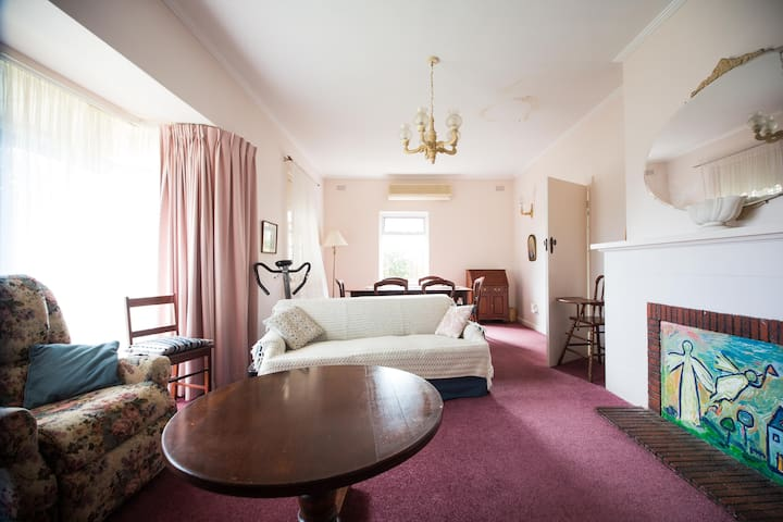Seaside Pet & Family Friendly Sleeps 6 Somerton Pk