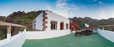 Casa Teresa:Refurbished Rustic House in Afur,Anaga