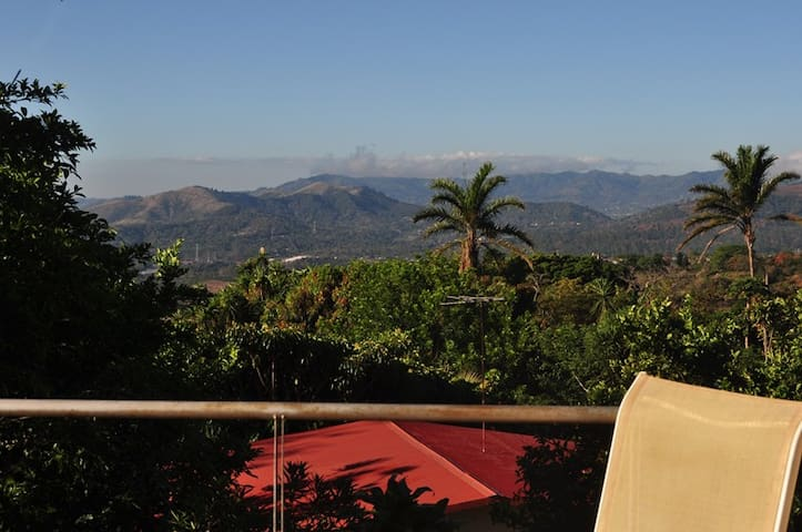Sarchi Casita Campestre - Private Balcony & Views! - Sarchi
