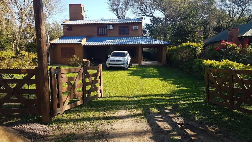 Casa soñada  a una cuadra del Río Paraná