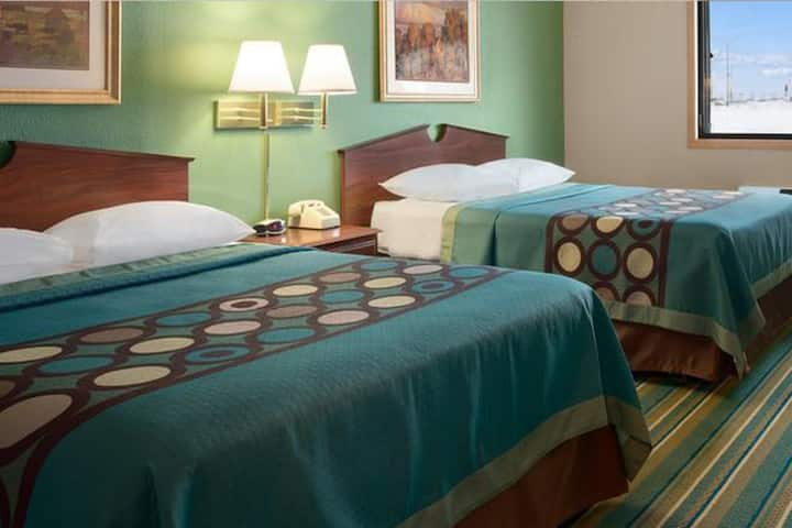Sky-Palace Inn & Suites New Richmond - Comfort 2 Queen Bed Non-Smoking