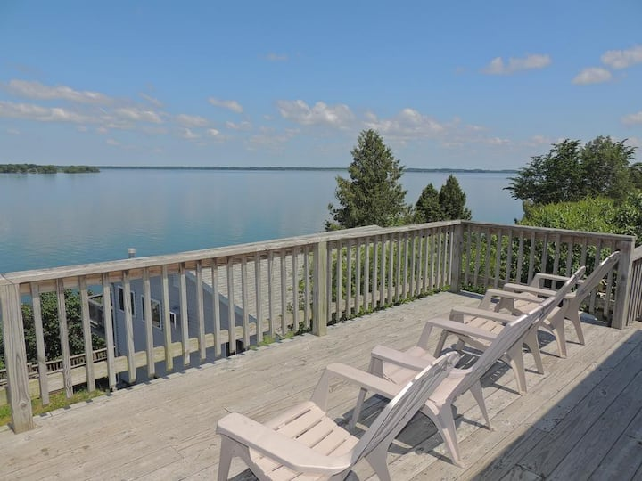 Charming water view 3 bedroom cottage (#10)
