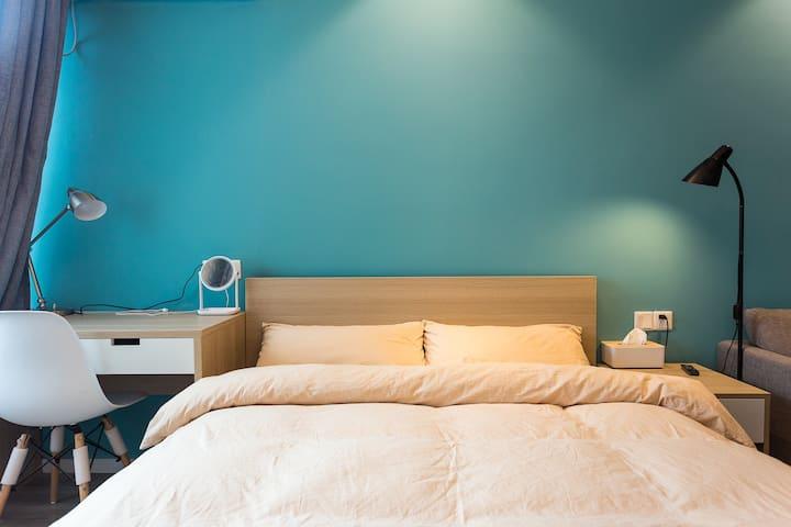 精装修酒店式公寓一室一厅一卫,免费健身房 无中介