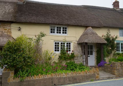 18thCentury 3 bed Thatched Cottage - Chideock - Haus