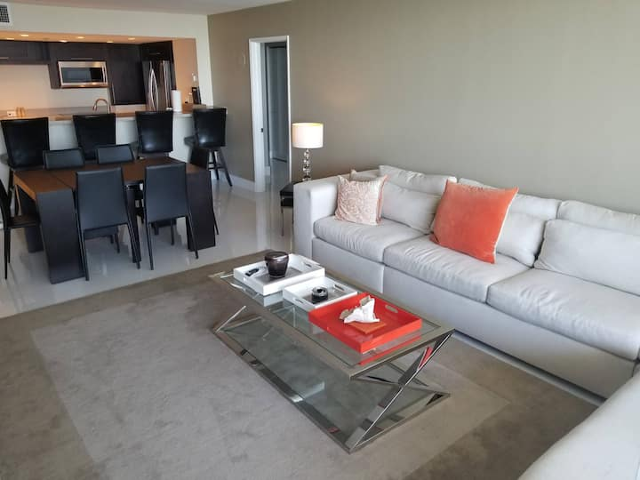 Beautiful 3 + den condo with Miami downtown view