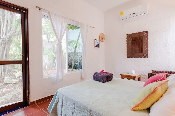 2 bedroom casita - queen bedroom