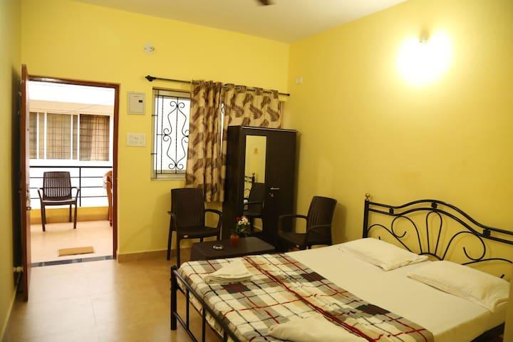 Morjim Guest House: Standard AC Rooms (M5)