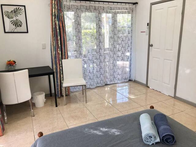 Spacious private room near Chermside Westfield