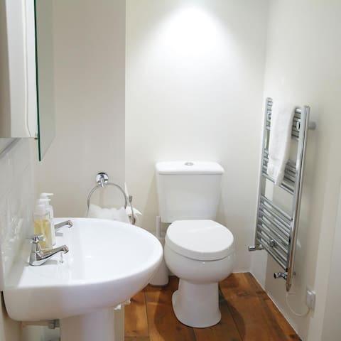 Double room en suite. One of two bathrooms.
