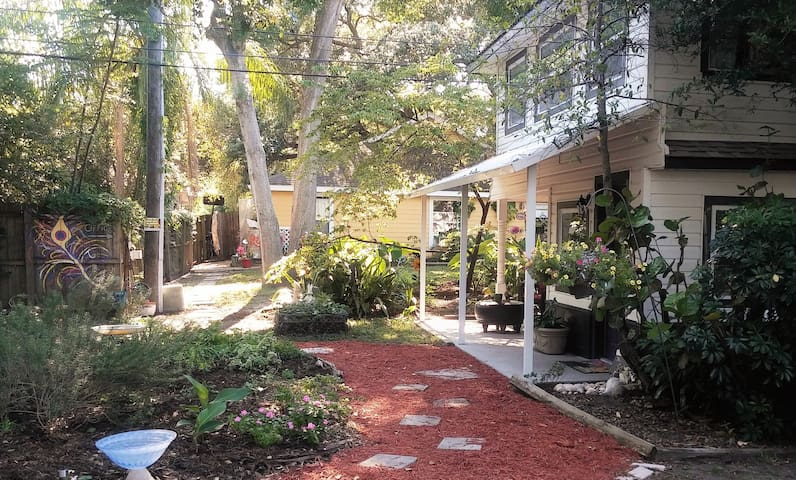 The Cove @ Sunset House and Gardens - Clearwater - Apartamento