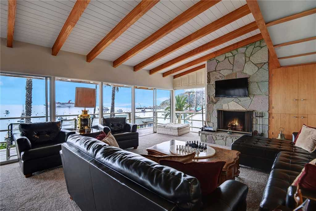 3-LIVING ROOM TO FIREPLACE RS