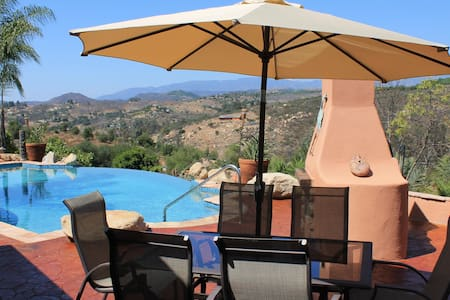Upscale Executive Vacation Estate private Suite - Valley Center - Maison