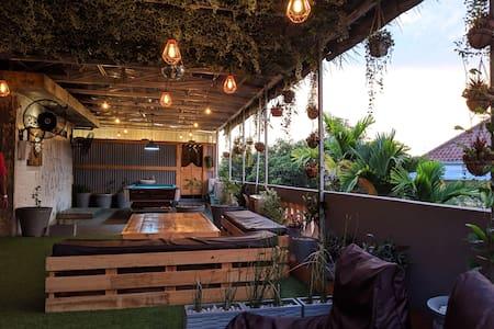 Kokos Hostel Padang City - Double Room