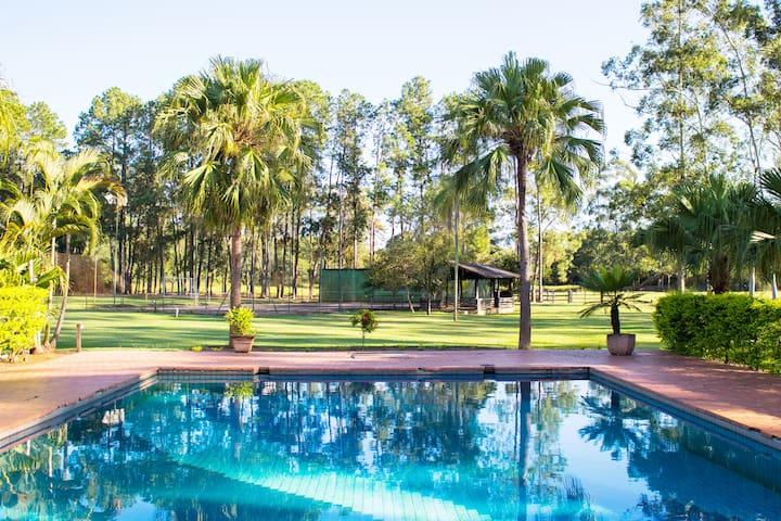 Ilha das Palmas - Muito verde, piscina e lazer ;)