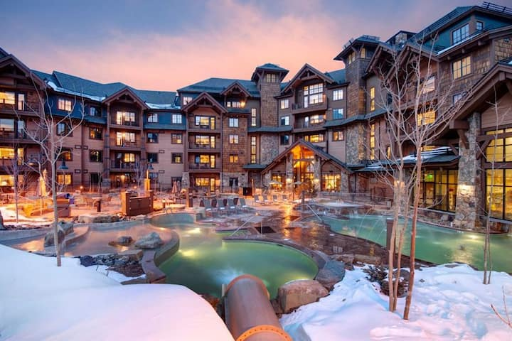 Grand Lodge Peak 7 Ski-In/Ski-Out Luxury Condo