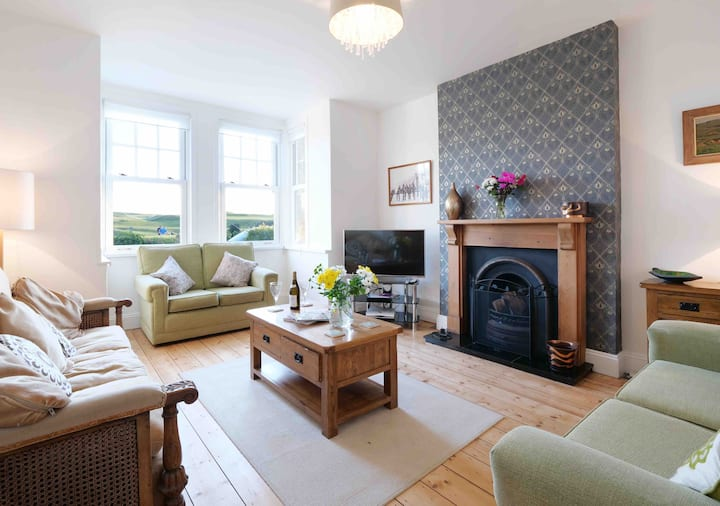 Fabulous Edwardian House in Bude Close to Beach