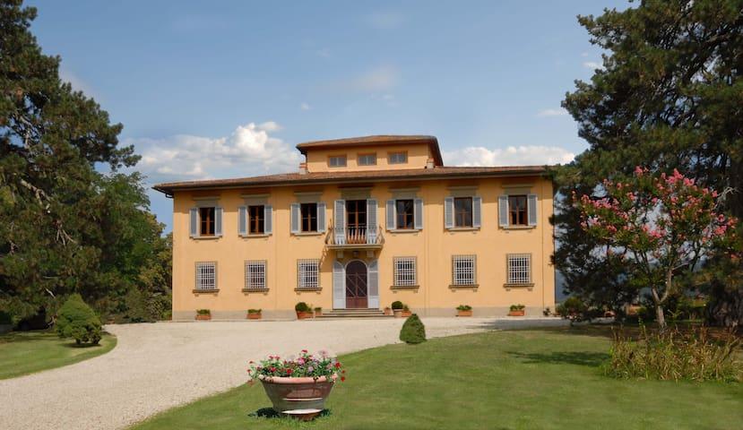 Villa unica sulle colline toscane - Vicchio - Willa