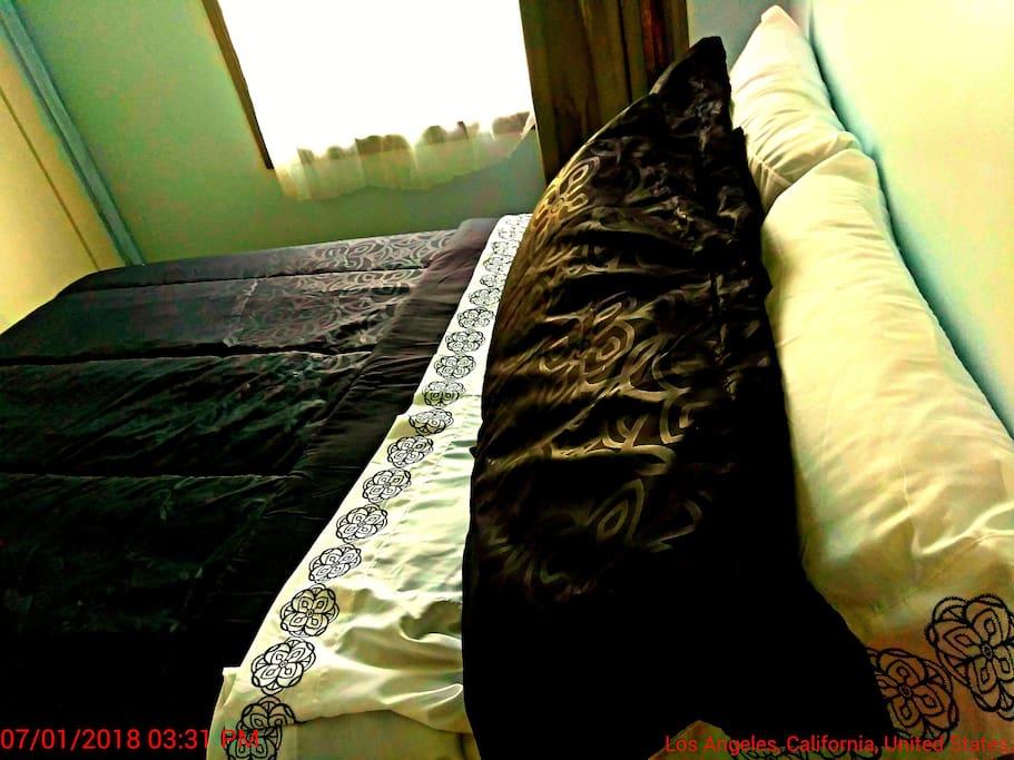 new memory foam mattress and 8 piece comforter loft style