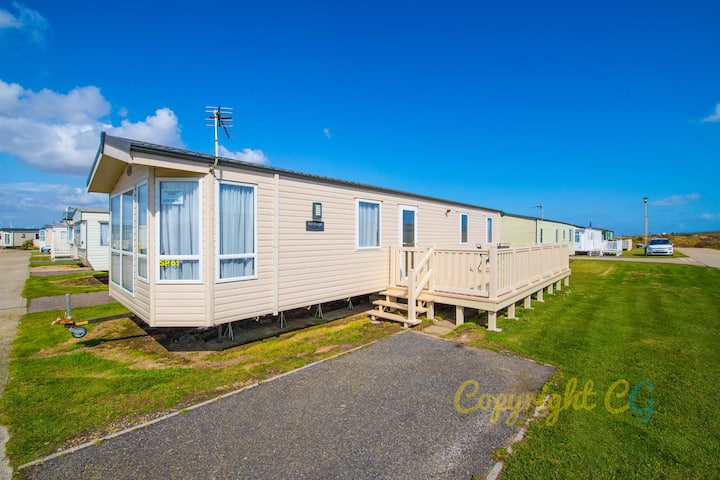 SP61 - Camber Sands Holiday Park - Sleeps 8 + Small Dog/Cat - Private Parking - Close to Beach