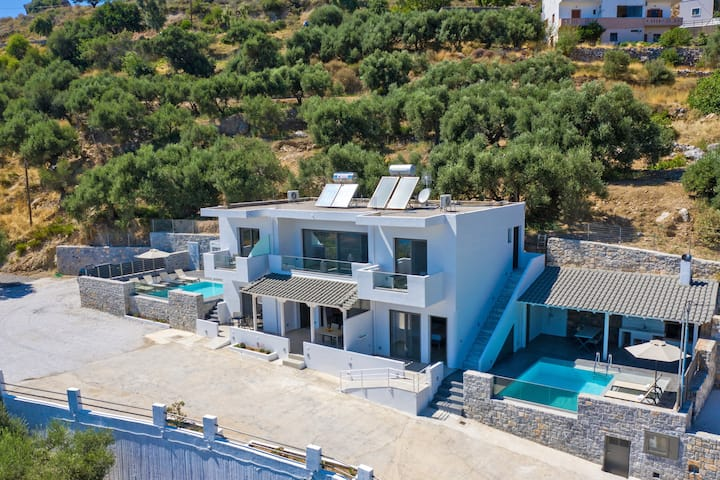 Spectacular Sea View Villa,Near Taverns & Sandy Beaches 1