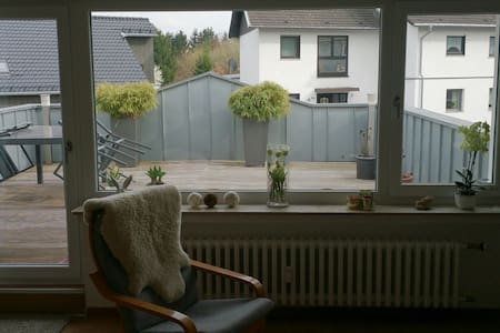 Schöne Dachterrassenwohnung - Alfter - Pis
