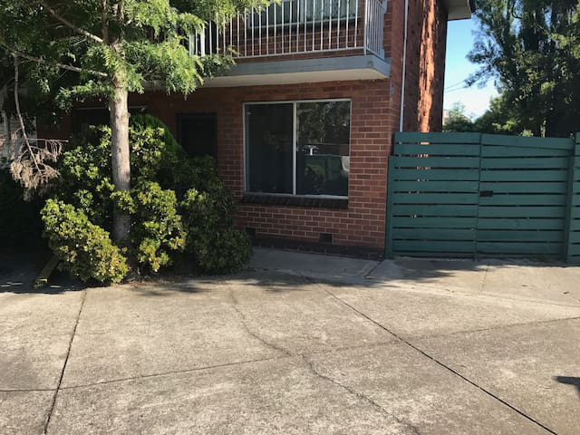 Eddie | Pets | Wifi | Secure courtyard | S2 - South Kingsville - Appartement