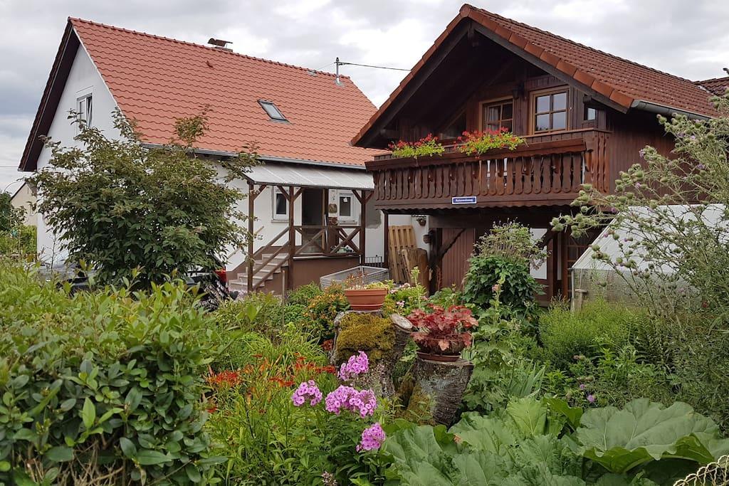 FeWo Blumengarten | Haus Janne & Haus Willi