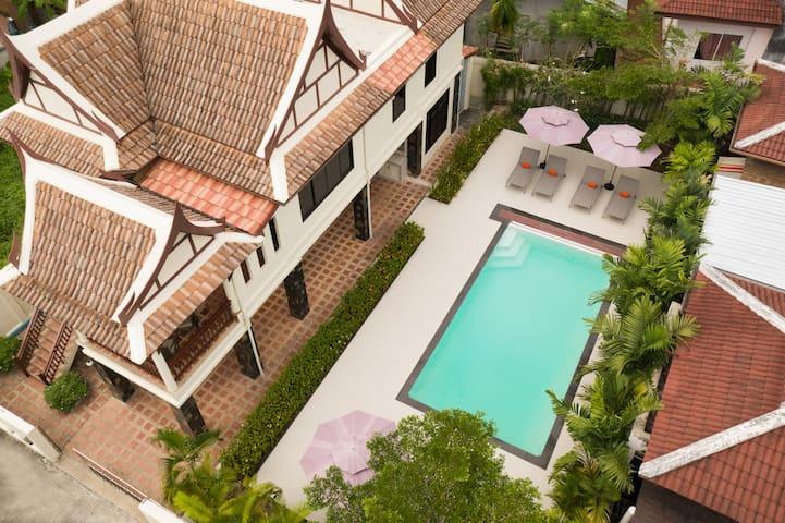 Sabai Villa, 4 Bed Pool Villa in the heart of Kata