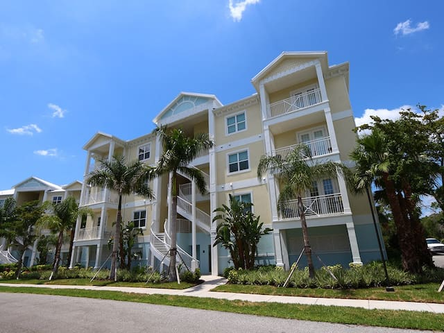 Palma Sola Bay Club #201: 3 BR / 2.5 BA Condo in Bradenton by RVA, Sleeps 6