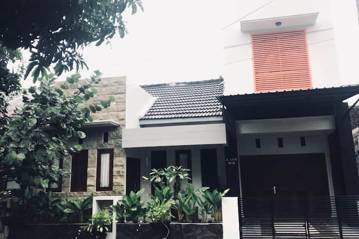 Yudith's Place - located in peaceful neighborhood