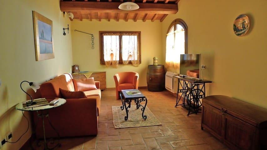 Un poggiarello in Toscana - Empoli - House