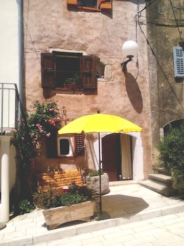 Studio apartment in Omisalj, Krk