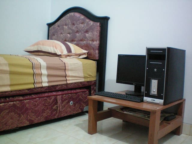 Clean and Not busy environment - Bogor Tengah - Bed & Breakfast