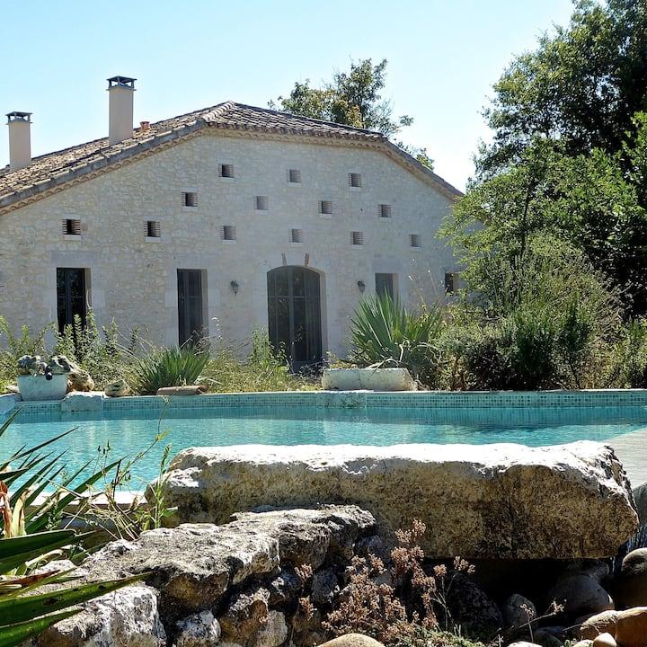 Lovingly Restored 18th-Century Grange for 6