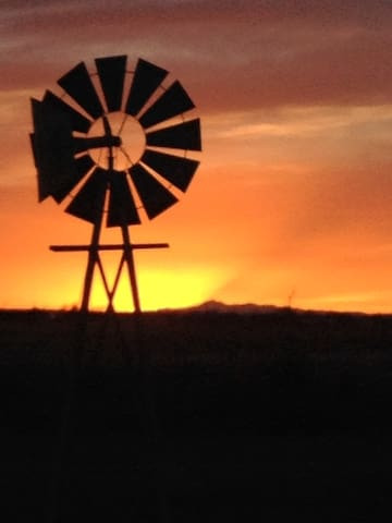 Roswell Roost with Incredible Sunsets - Roswell - Hus