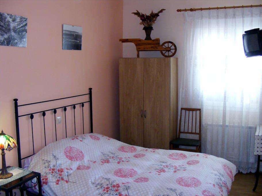 Habitaci n con ba o 3 plazas chambres d 39 h tes louer for Chambre d hote espagne