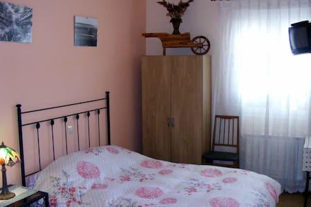 Habitación con baño. 3 plazas - Madridejos