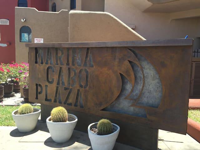Marina View Studio (WiFi) New bath & floors