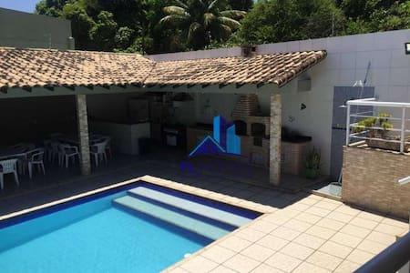 Casa 3 quartos, piscina e open-bar. 100% Sigilo