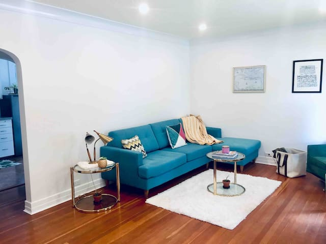 Two Bedroom Suite Near Hospital/Downtown