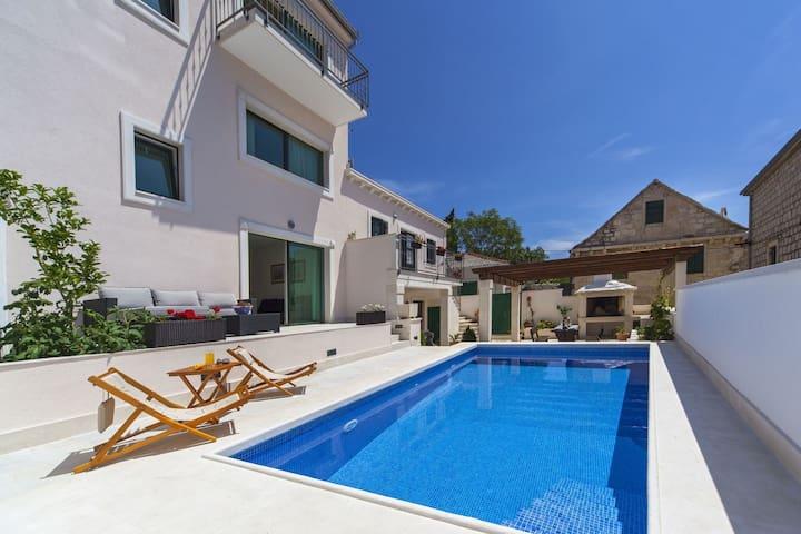 Modern Villa in Povlja with Pool