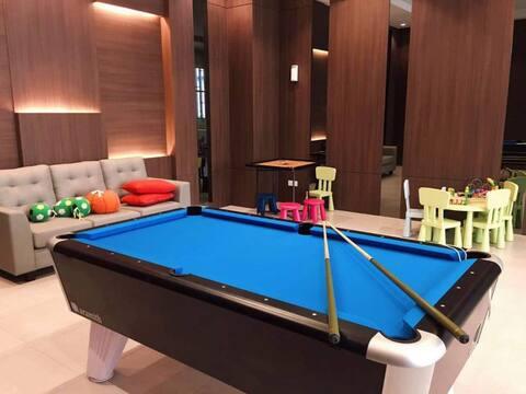 Parkland Luxury of Melaka river best POOL Jonker