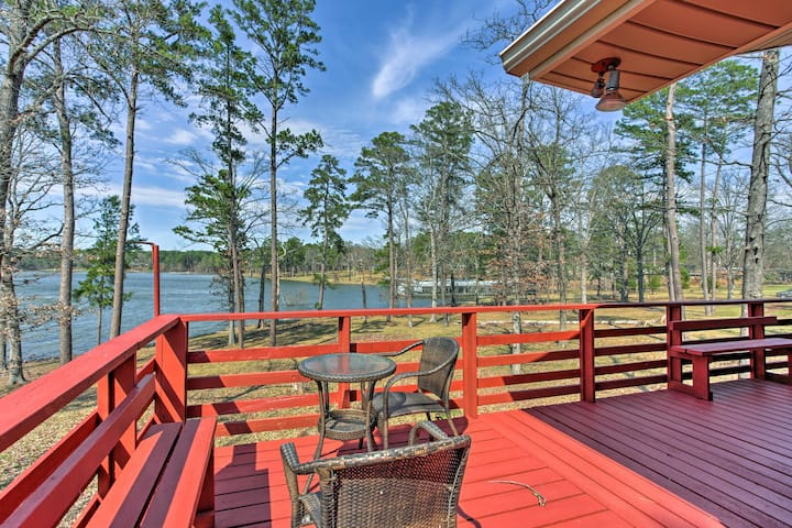 Lovely Home on Lake O' the Pines w/Waterfront Deck