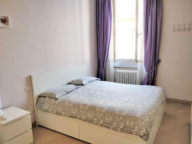 Ampia e luminosa stanza con BAGNO PRIVATO-BOCCONI