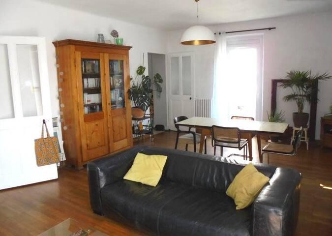 Appartement spacieux 3 pieces proche centre