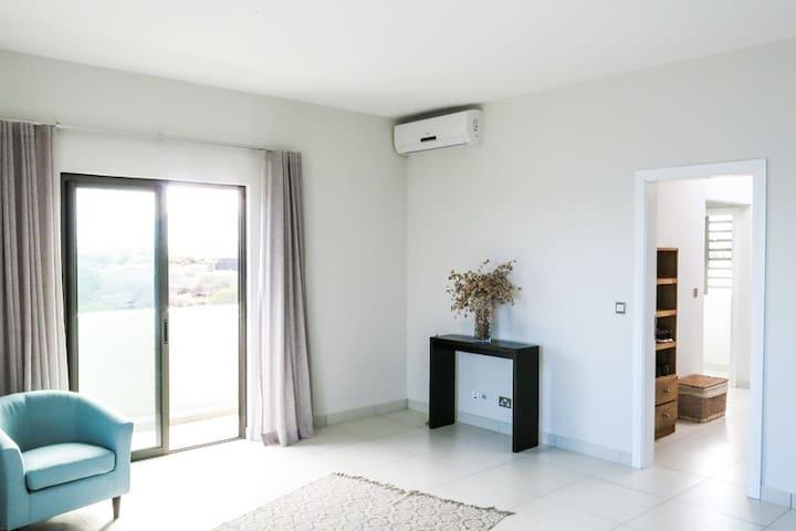 Master Bedroom en-suite with Walk-in-Closet