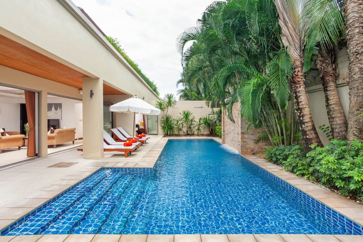 Private pool in your villa