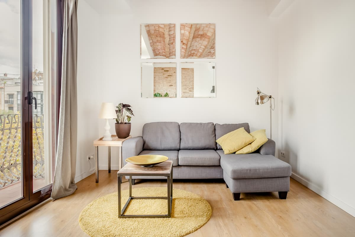 Walk to Art Museums from a Hip Apartment in Sant Antoni