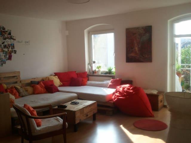 11qm Privatzimmer in 98qm Wohnung KS